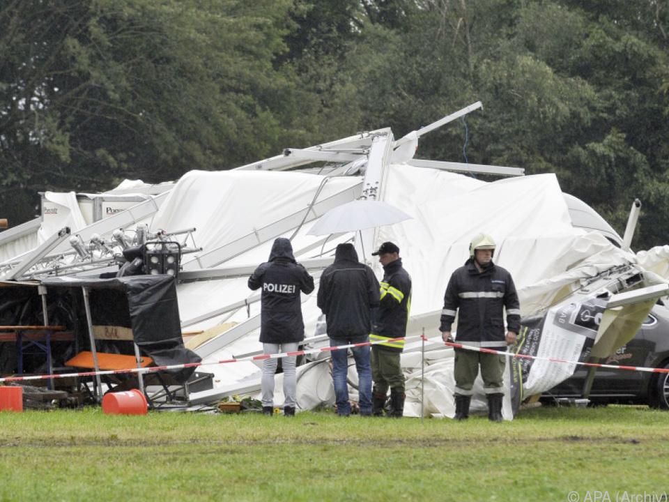 Zwei Menschen starben, 28 wurden schwer, 87 leicht verletzt