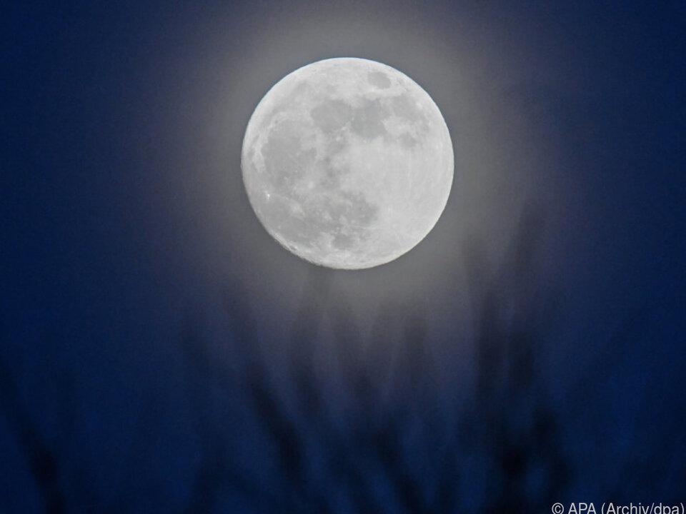 Als erste Nation will China auf der Rückseite des Mondes landen mond nacht sym