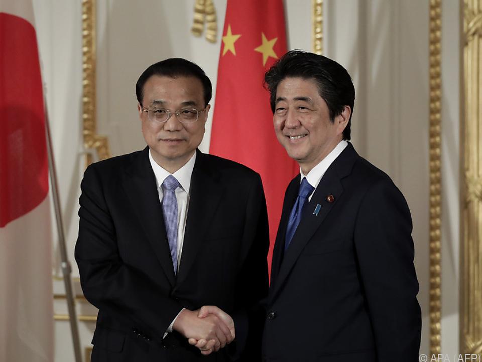 Annäherung zwischen Li Keqiang und Shinzo Abe
