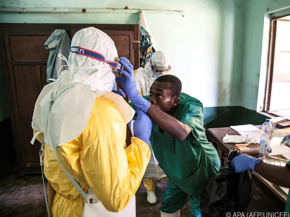 Behandlung von Ebola erfordert besondere Sicherheitsmaßnahmen