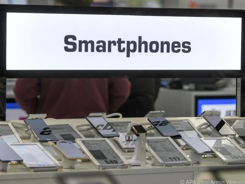 Bei günstigen Smartphones gibt oft keine langfristigen Sicherheit-Updates