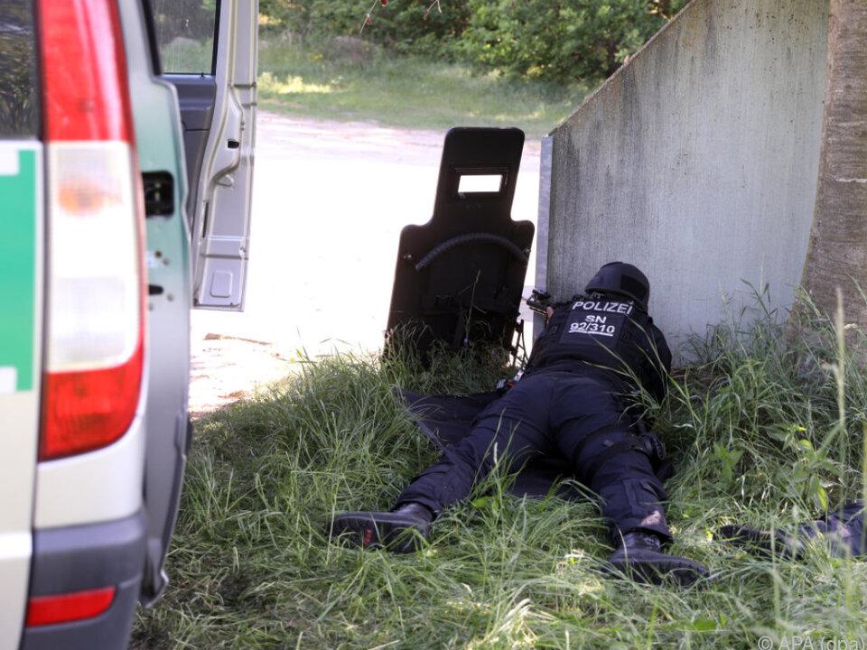 Der Polizei gelang es zunächst nicht, den Verdächtigen zu stellen
