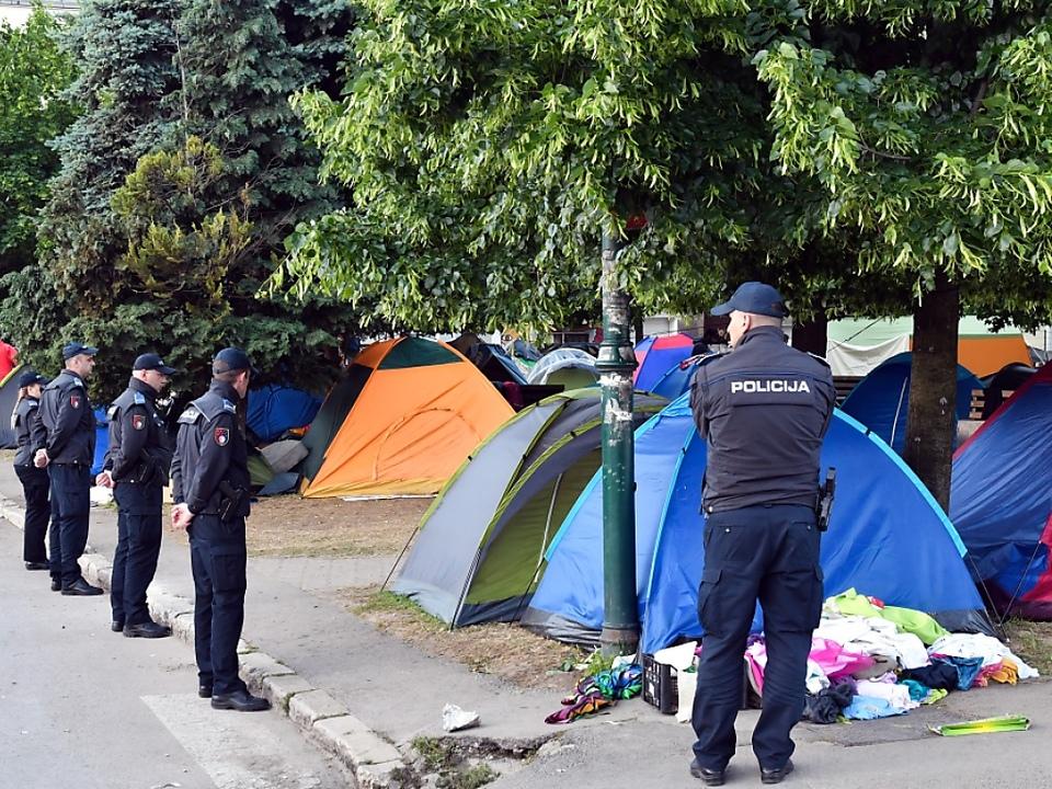 Deutlich mehr Flüchtlinge nutzen wieder die Balkanroute
