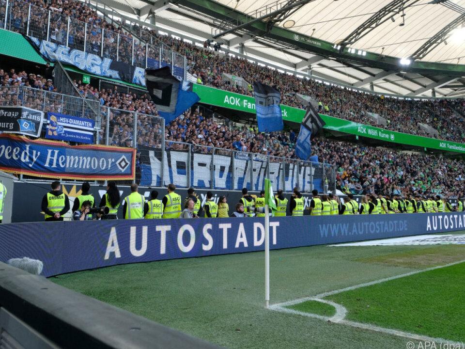 Die Fans des HSV bangen