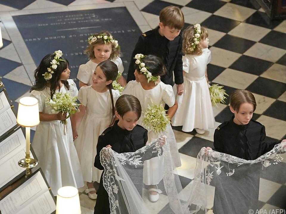 Die Mulroney-Zwillinge und die Blumenstreukinder hatten ihren Auftritt