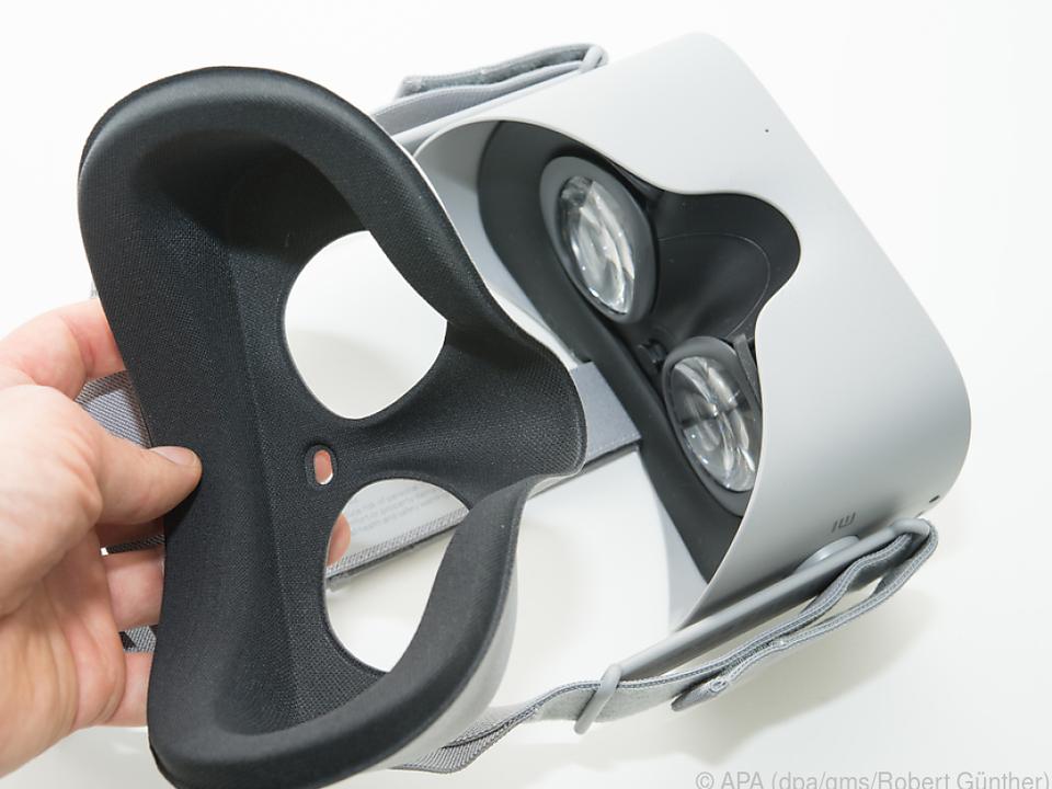 Nutzer können die Polsterung der Oculus Go zum Reinigen abnehmen