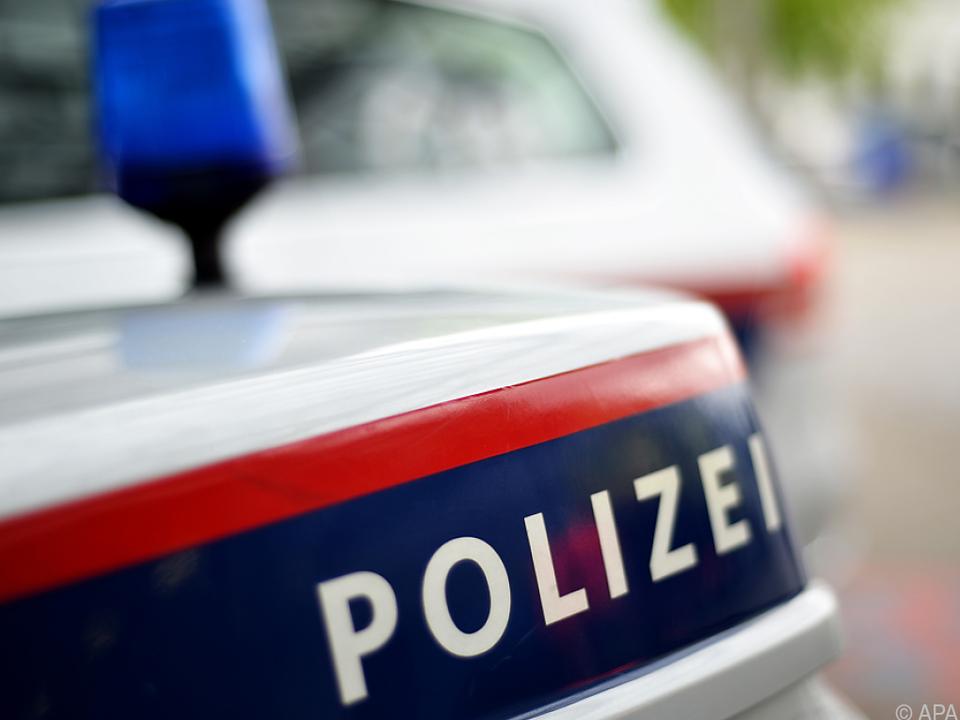 Die Polizei ist noch auf der Suche nach der zweiten Frau