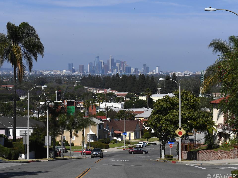 Die Skyline von Los Angeles im Hintergrund: Hier wuchs Meghan auf