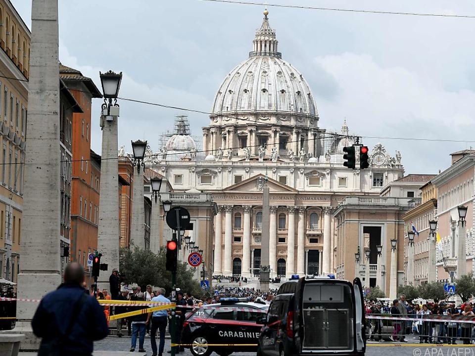Die Via della Conciliazione führt direkt zum Petersdom