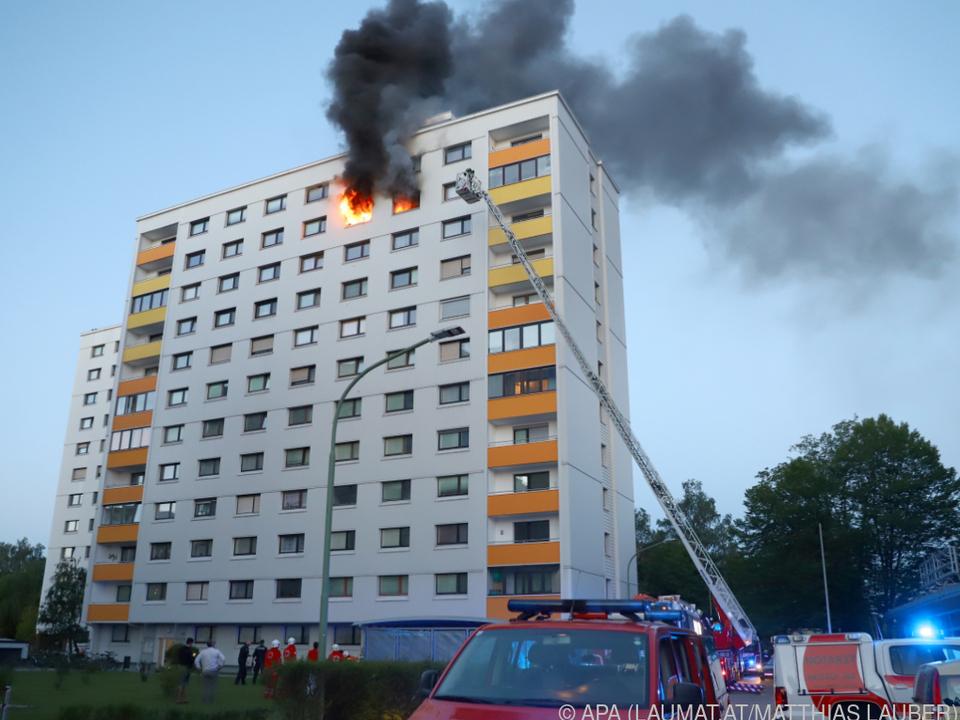 Einsatzkräfte der Feuerwehr am Unglücksort