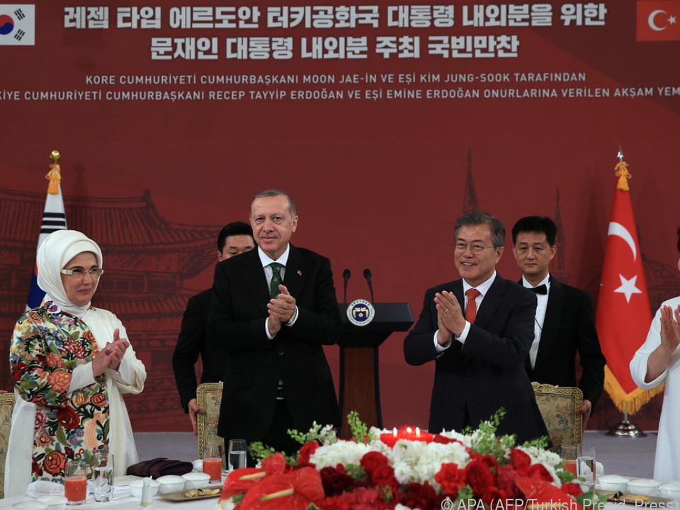 Einstimmige Unterstützung für Erdogan