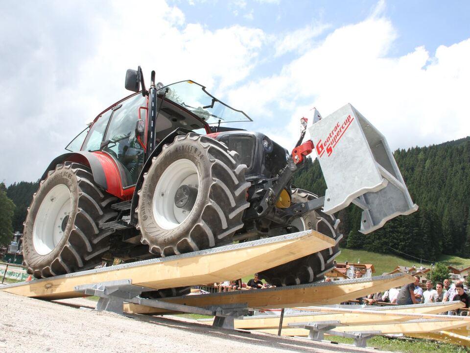 Traktor Geotrac Supercup