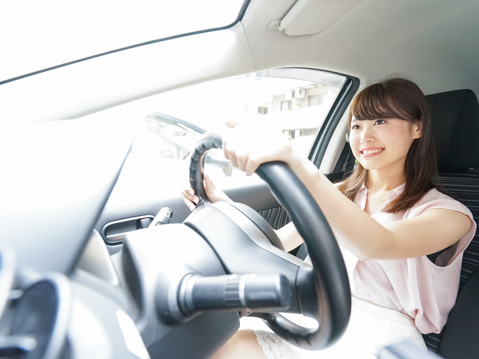 auto mietwagen lenkrad autofahren sym