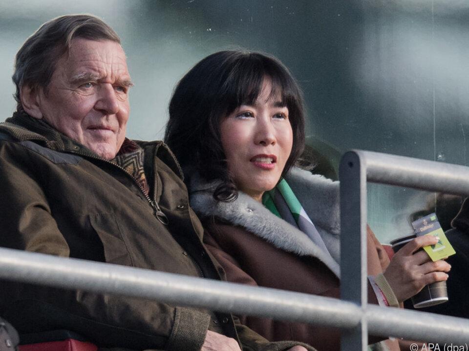 Gerhard Schröder mit seiner Lebensgefährtin Soyeon Kim