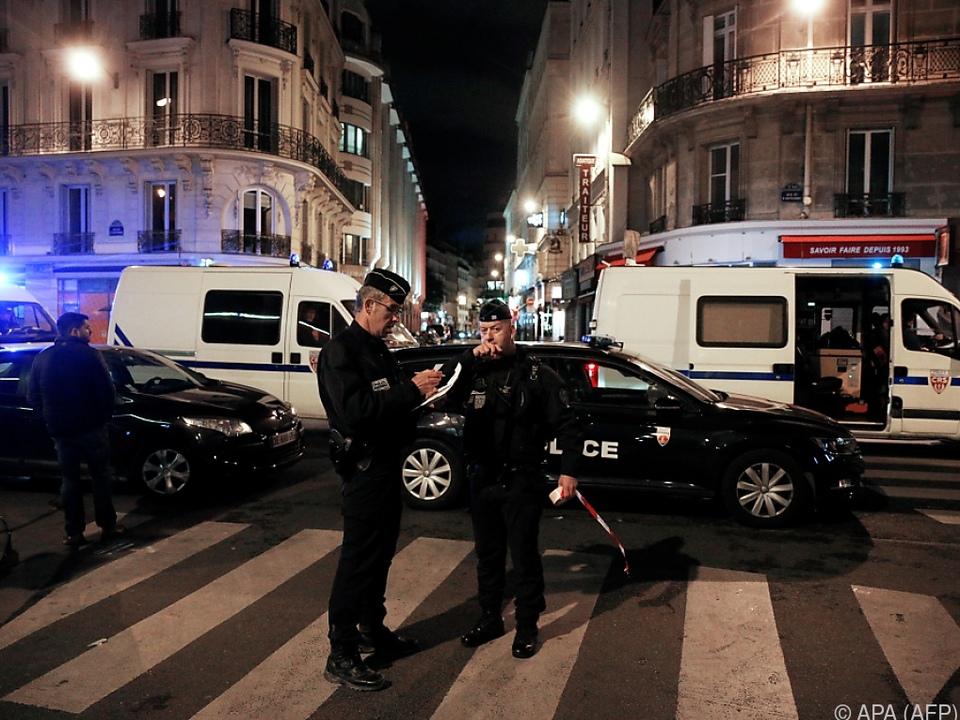 Großes Polizeiaufgebot nach Messerangriff in Paris