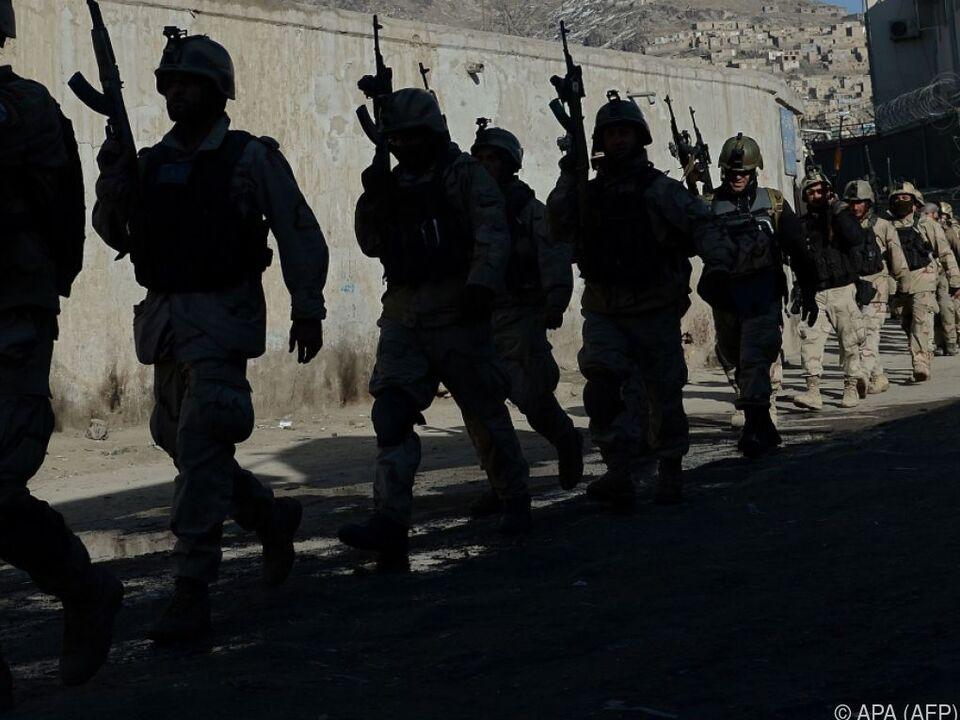 Heftige Gefechte um die Stadt Farah