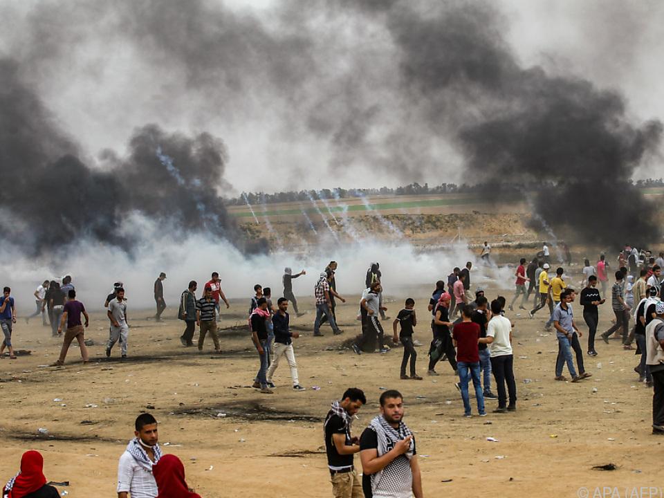 Insgesamt rund 7.000 Palästinenser begaben sich an die Grenzen