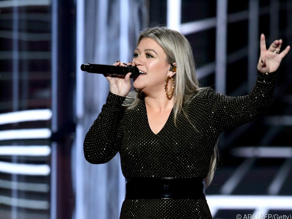 Kelly Clarkson führte durch die Billboard-Preisverleihung