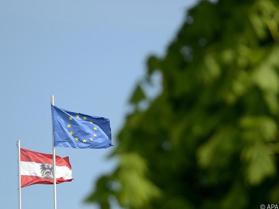 Mehrheit der Österreicher schätzt die EU