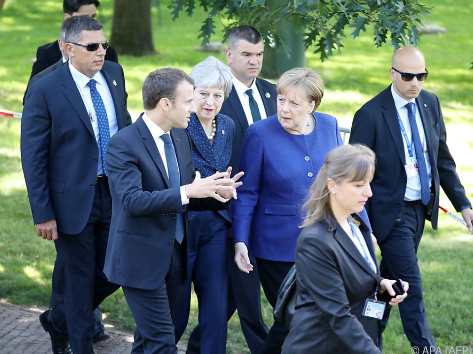 Merkel hält nichts von Zieldatum 2021