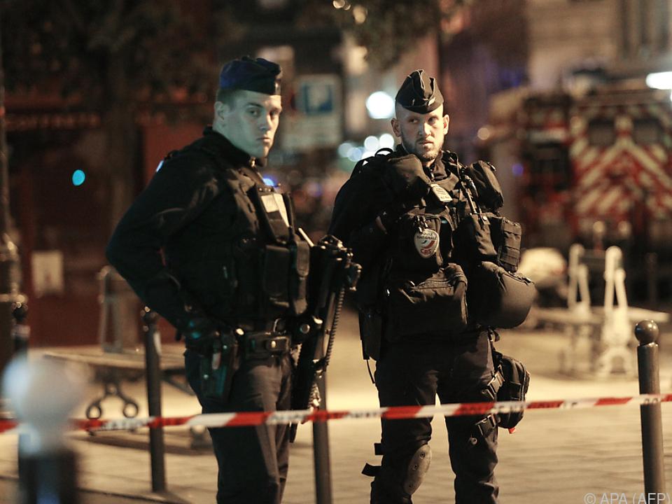 Polizisten erschossen den Angreifer