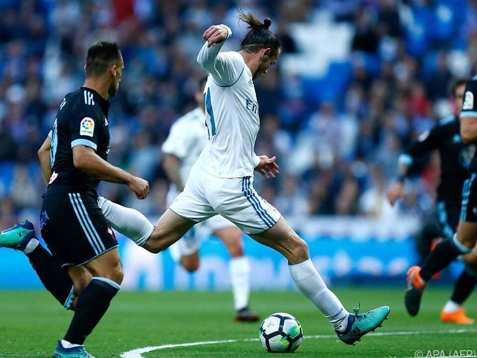 Reals Vollblutstürmer Gareth Bale holt zu einem Volltreffer aus