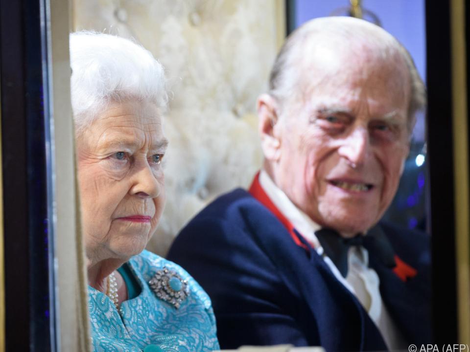 Royale Fans sorgen sich um Prinz Philip