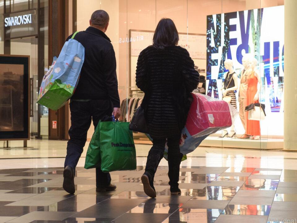 Schuldenmachen durch Shopping nimmt zu