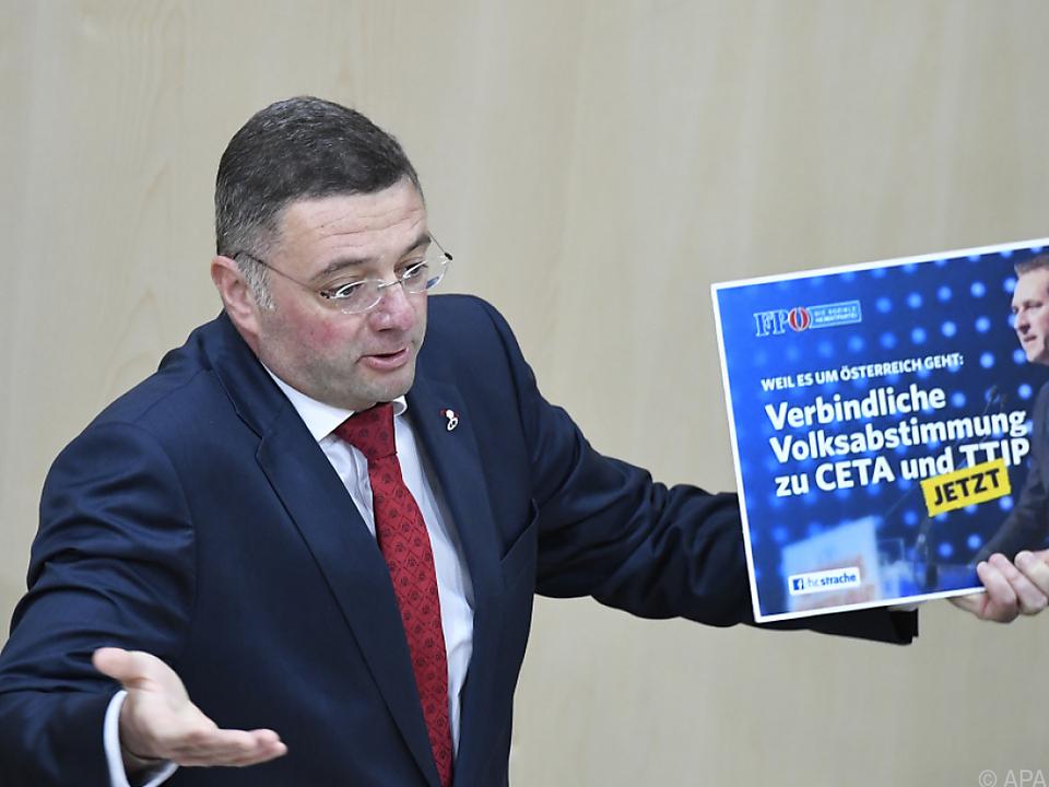 SPÖ-Abgeordneter Jörg Leichtfried wundert sich über die FPÖ