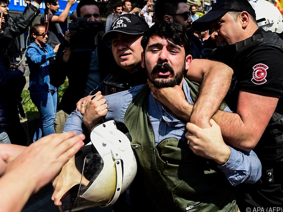 Staatsgewalt erstickt Proteste im Keim