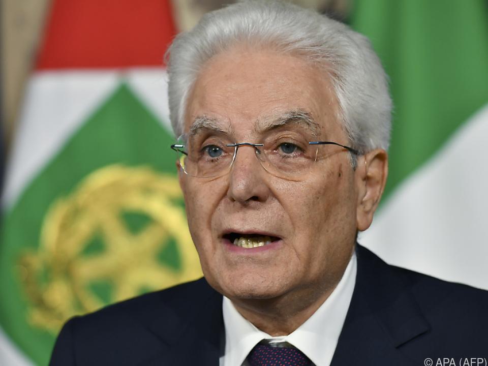 Staatspräsident Sergio Mattarella lehnte Wirtschaftsministerkandidaten ab