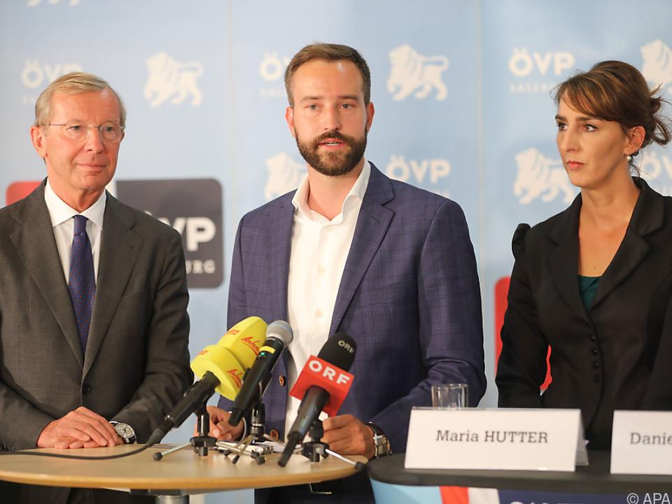 Stefan Schnöll (Mitte) wird Landesrat für Verkehr, Infrastruktur und Sport