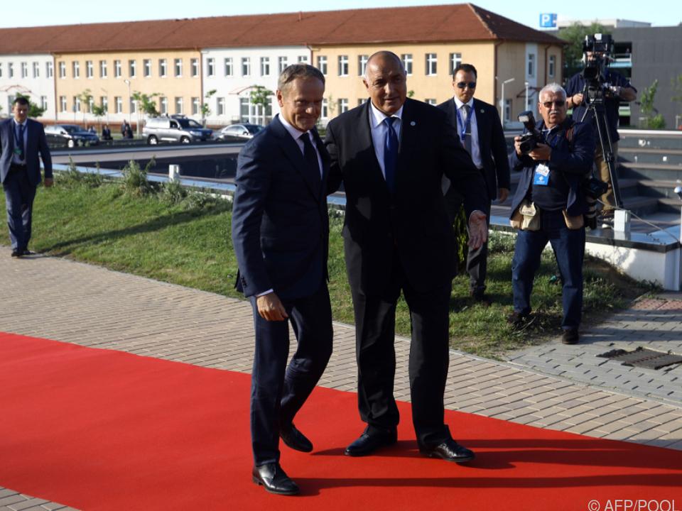 Tusk wird von Bulgariens Premier Borissow in Sofia empfangen
