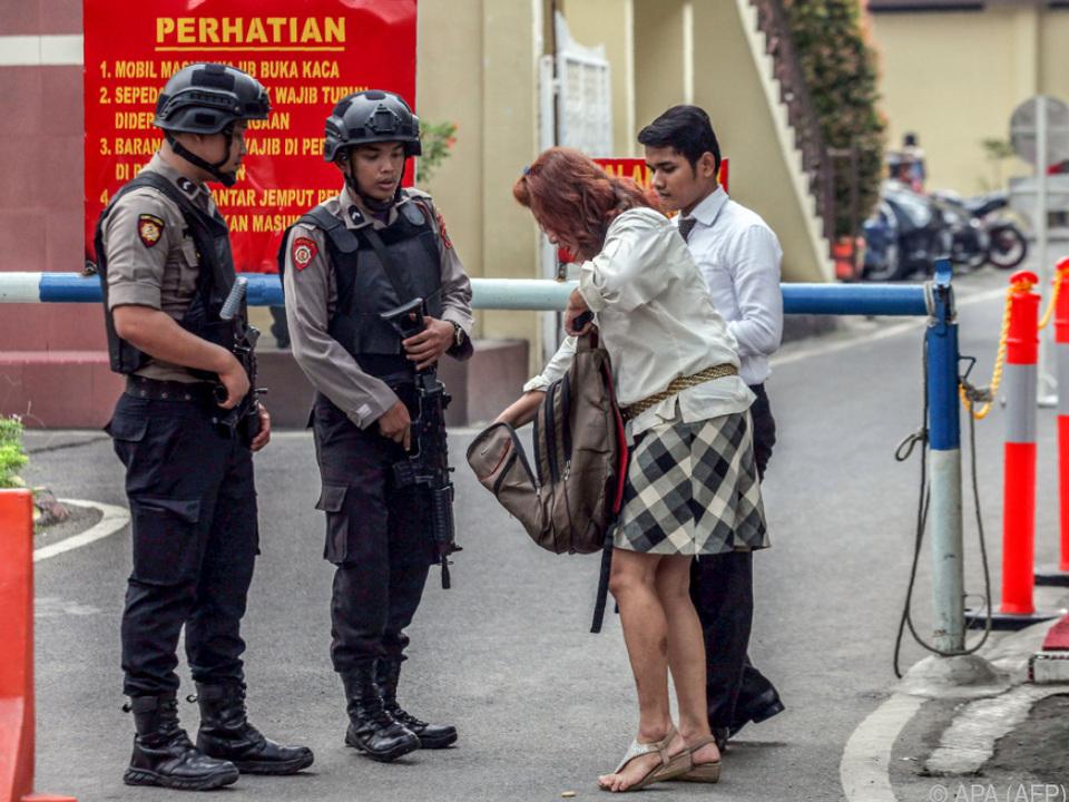 Verschärfte Sicherheitsmaßnahmen nach Angriffen