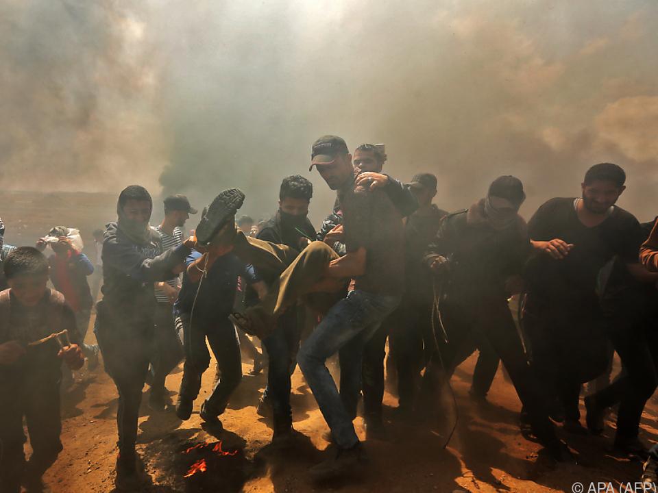 Zahlreiche Palästinenser wurden am Grenzzaun im Gazastreifen getötet