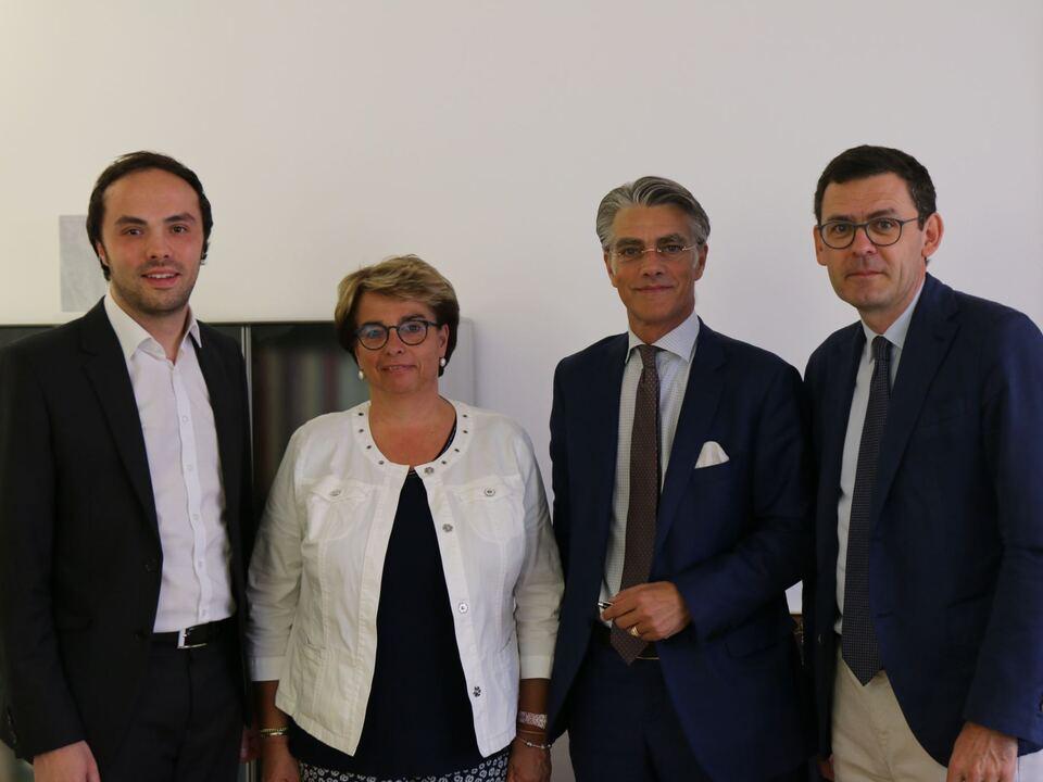 Kulturinstitut Achammer mit den SKI-Vorstandsmitgliedern Höhenbühel und Larcher sowie Direktor Peter Silbernagl
