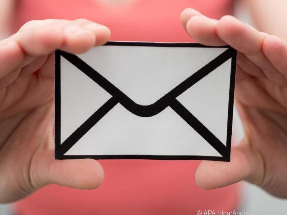 Alte E-Mail-Adressen sollte man aus Sicherheitsgründen besser behalten