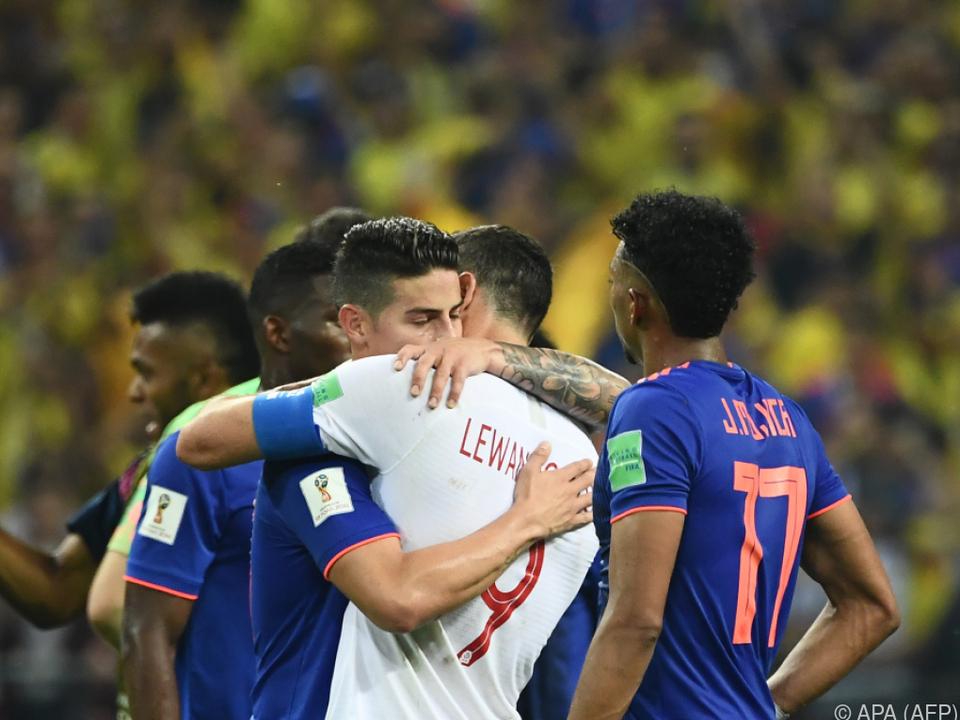 Auch Bayern-Kollege James Rodriguez konnte Lewandowski nicht trösten