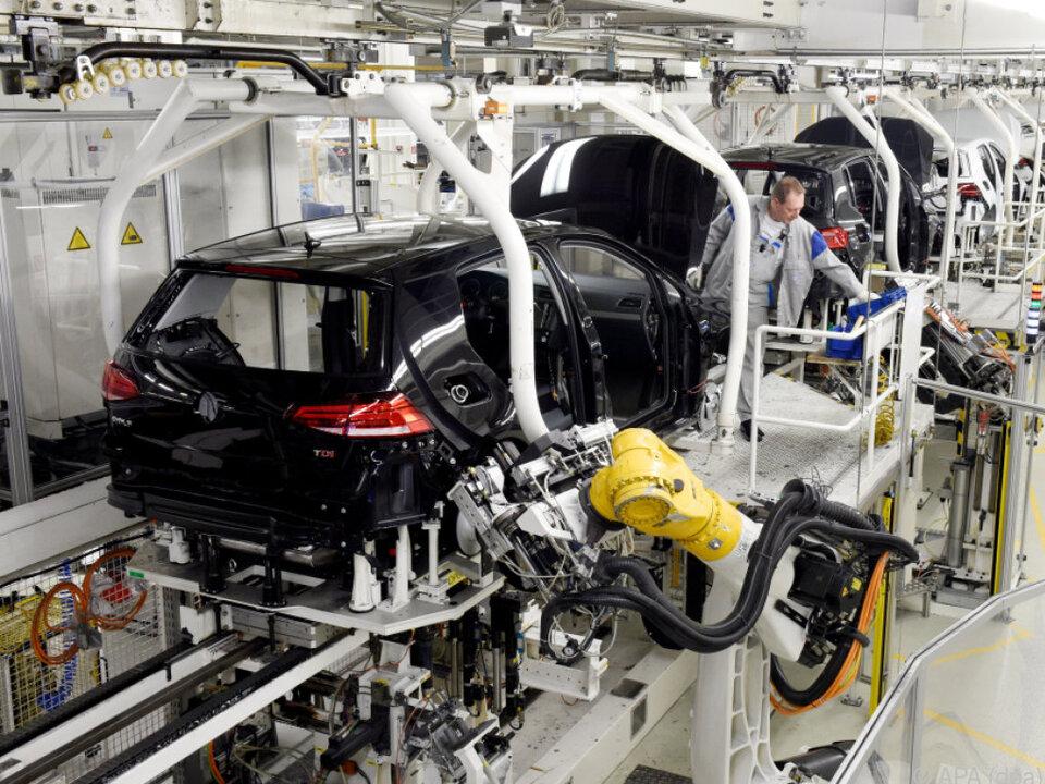 Bis zu einer Viertelmillion Autos werden später als geplant fertig