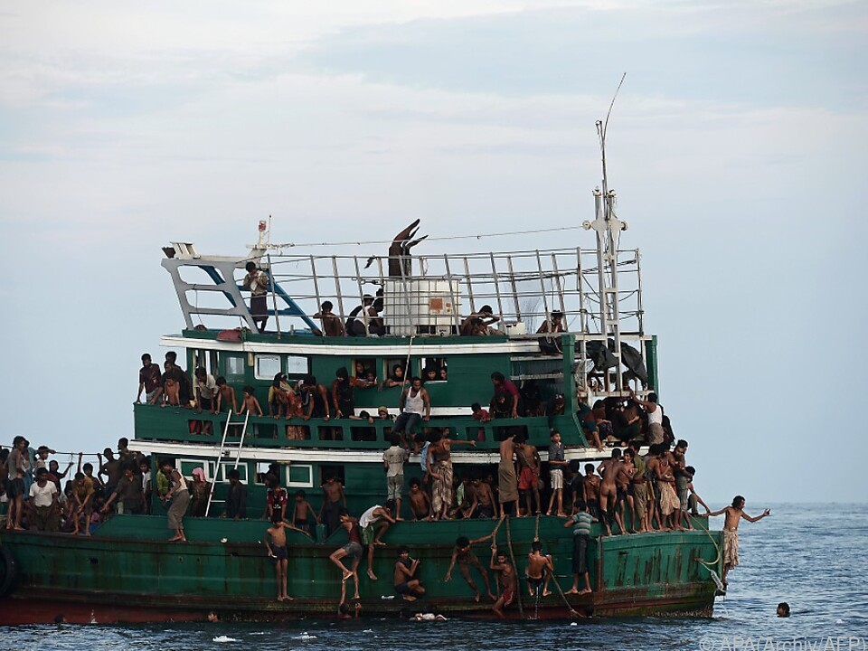 Bootsunglücke im Mittelmeer fordern immer wieder tote Migranten