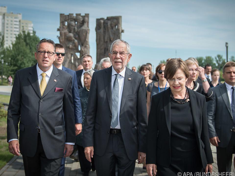 Bundespräsident Van der Bellen mit Frau Doris Schmidauer