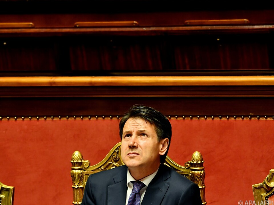Contes Regierung wird Hürde wohl nehmen