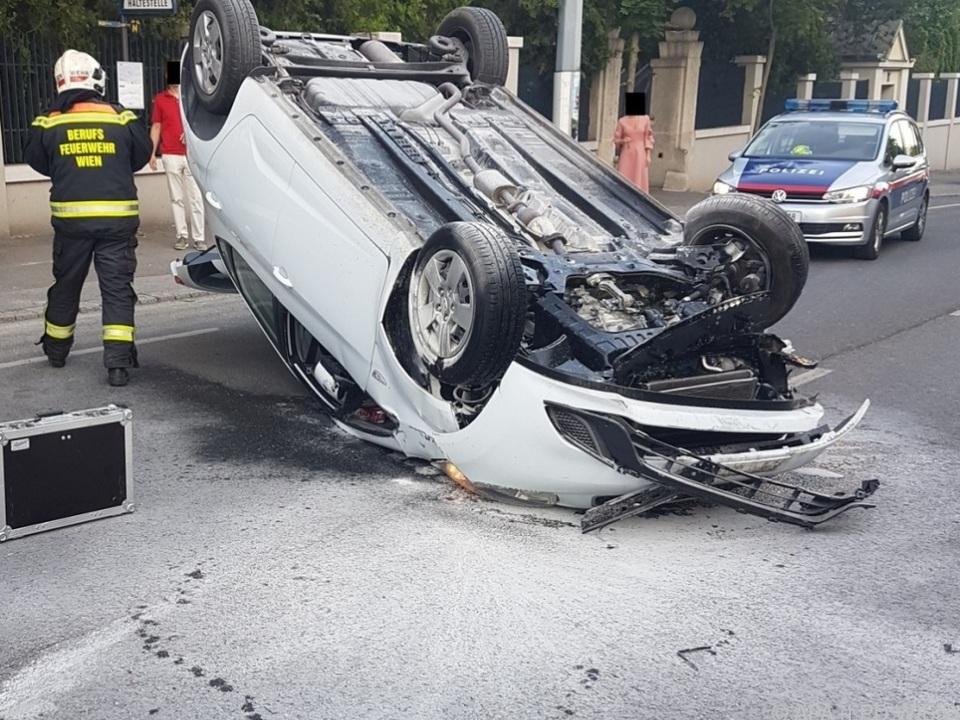 Der Fahrer erlitt Schnittverletzungen