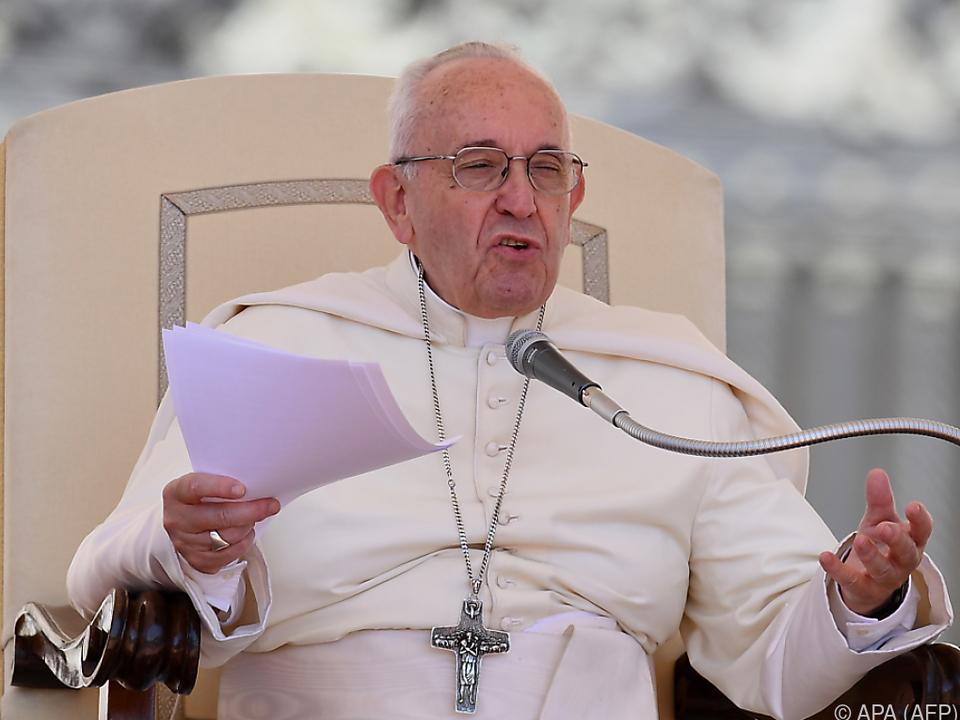 Der Papst entlässt zwei weitere umstrittene chilenische Bischöfe