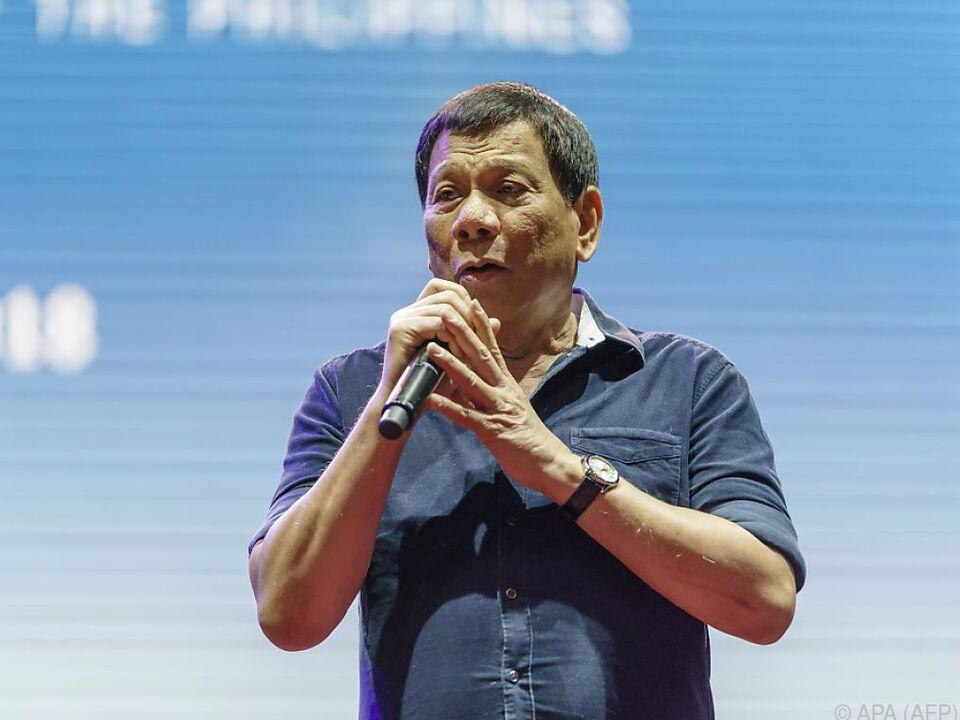 Duterte erntete für die Aktion Beifall, aber auch viel Kritik