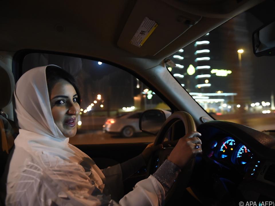 Eine Frau am Steuer ist in Saudi-Arabien Neuland