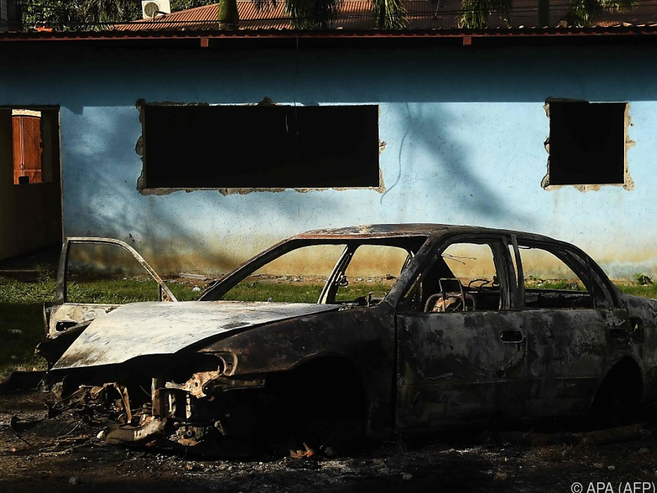 Eine Polizeistation wurde niedergebrannt