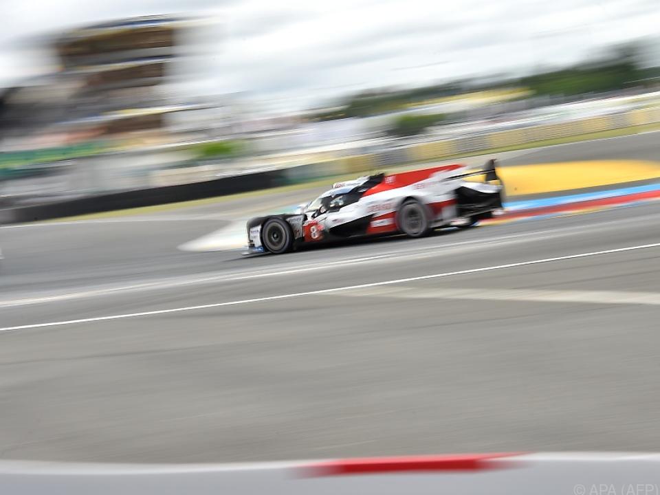 Erfolgreiches Debüt für Fernando Alonso