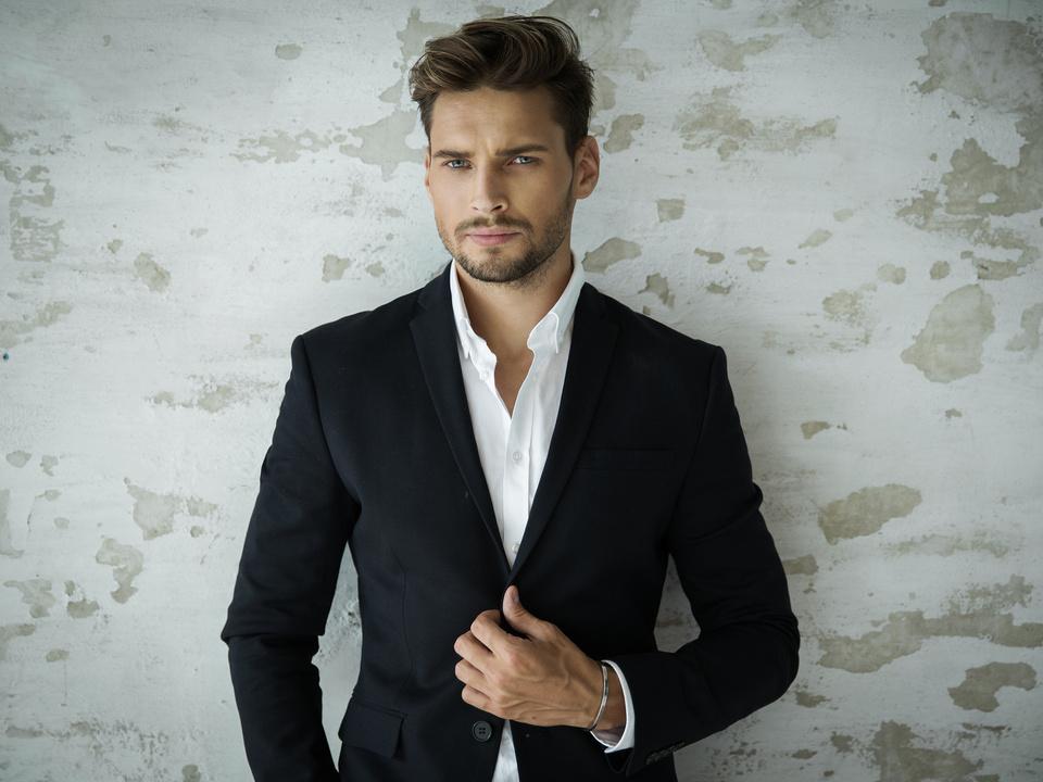sexy mann bart anzug