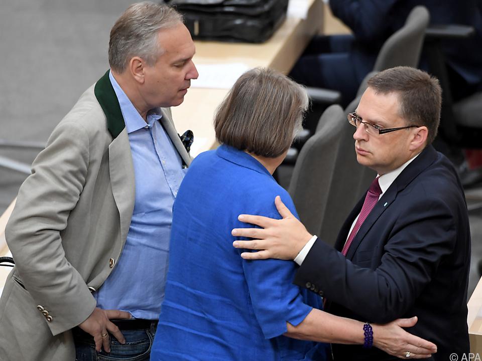 FPÖ-Klubchef Rosenkranz und ÖVP-Klubobmann Wöginger sind zufrieden